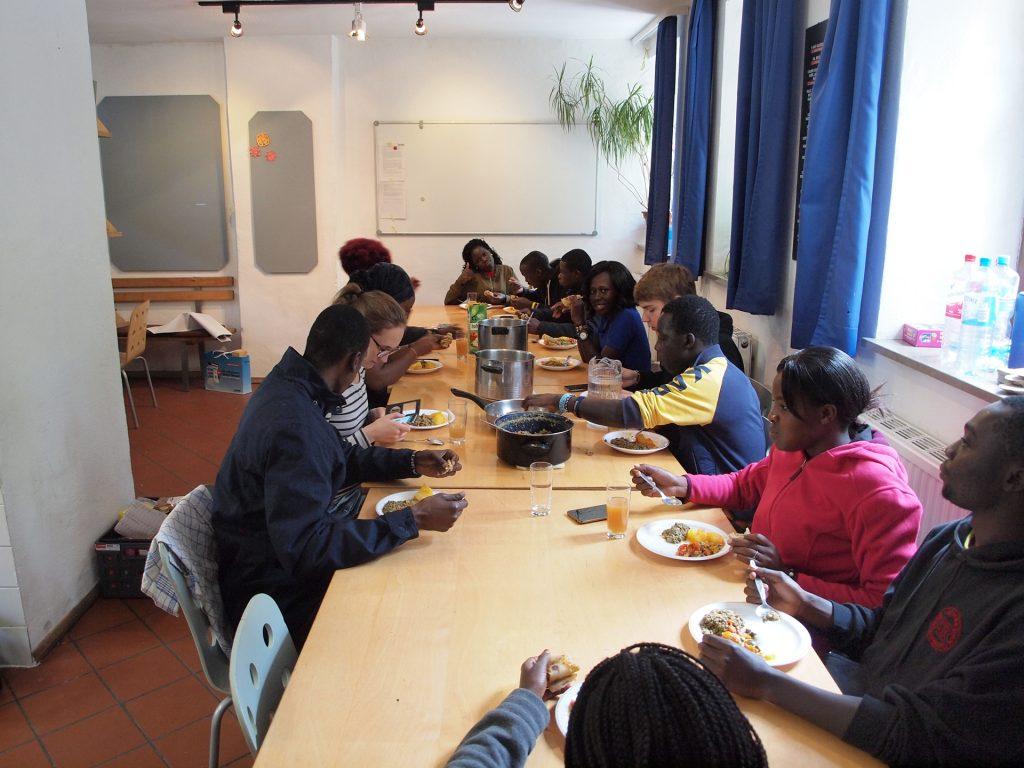 Auch kulinarische Vielfalt war geboten: Chapati, Ugali und Sukuma standen auf dem Speiseplan.