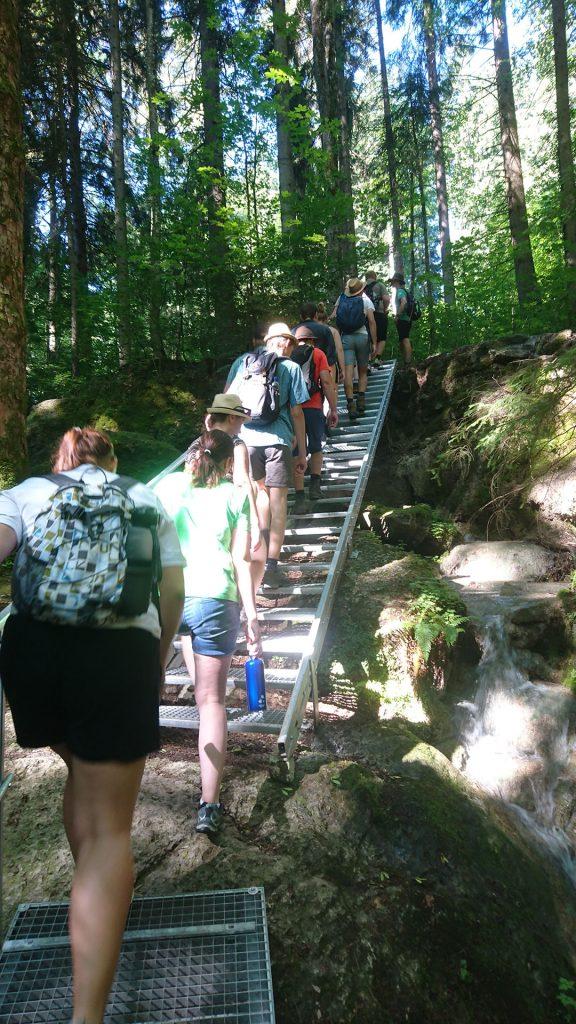 Über Treppen auf den Auerberg